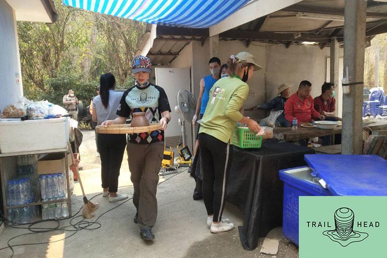 Helping Doi Suthep-Pui